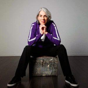 Marie Edery, consultante com com girls